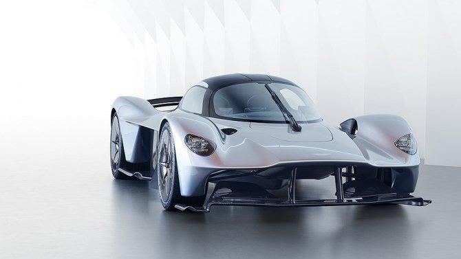 Aston Martin представили предсерийный гиперкар Valkyrie (6).jpg