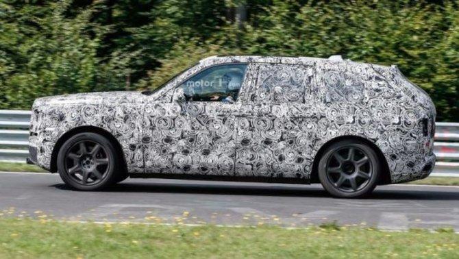 Rolls-Royce тестирует новый внедорожник Cullinan на трассе Нюрбургринг (1).jpg