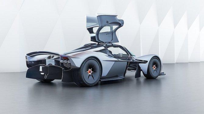 Aston Martin представили предсерийный гиперкар Valkyrie (5).jpg