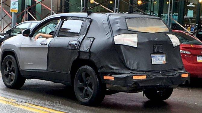 Обновленный Jeep Cherokee проходит тесты в США (1).jpg