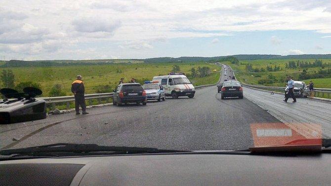 Трое детей пострадали в лобовом ДТП в Вольском районе Саратовской области.jpg