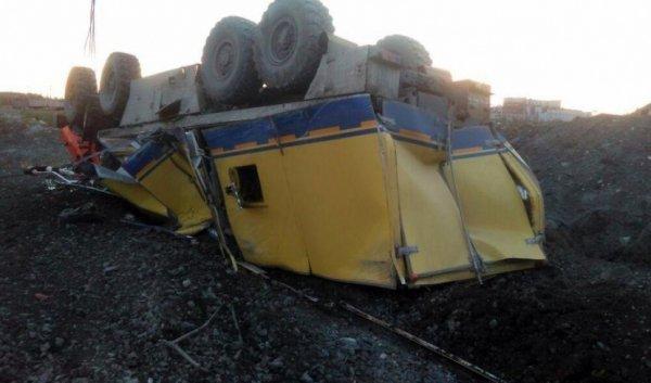 В Якутии опрокинулся «КамАЗ-вахтовка» – погиб водитель (2).jpg