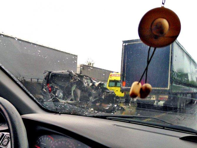 В ДТП с микроавтобусом у Ям-Ижоры погибла молодая девушка (1).jpg