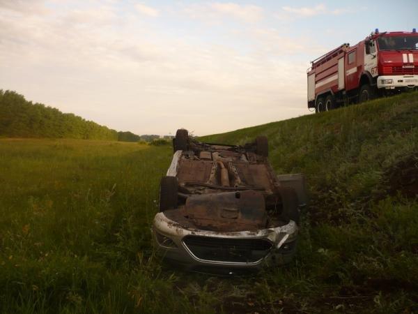 В Татарстане иномарка вылетела с трассы погиб человек.jpg