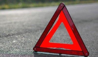 В Кузбассе в ДТП с грузовиком погиб человек