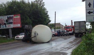 Женщина погибла в ДТП с цистерной в Ленобласти