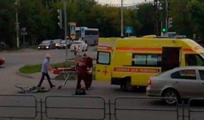 Спасали одну – сбили другую: в Магнитогорске «скорая» сбила велосипедистку