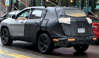 Обновленный Jeep Cherokee проходит тесты в США