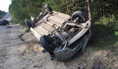 Три молодых человека погибли при опрокидывании автомобиля в Томском районе