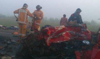 Пять человек погибли в ДТП с грузовиком в Ленобласти