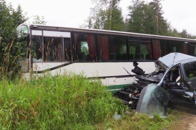 Во Владимирской области в ДТП с автобусом погиб человек (3).jpg