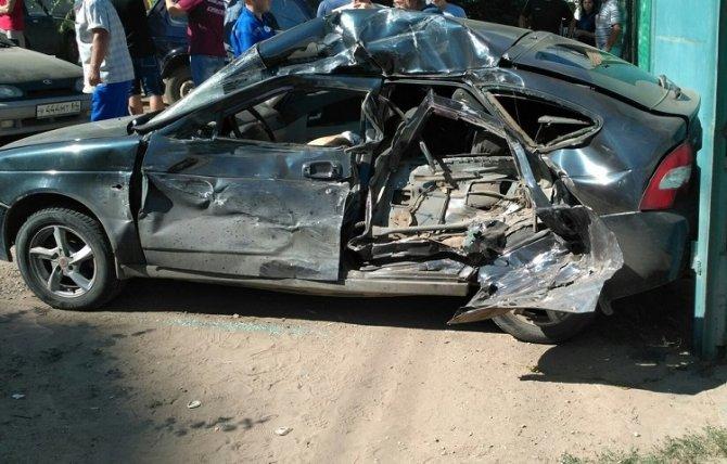 В Энгельсе в массовом ДТП погиб водитель «Приоры» (1).jpg