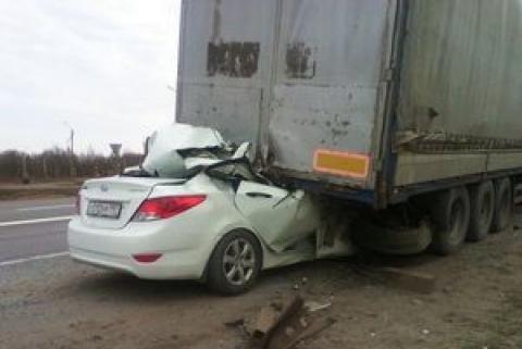 В ДТП с грузовиком в Азовском районе погибли три человека.jpg