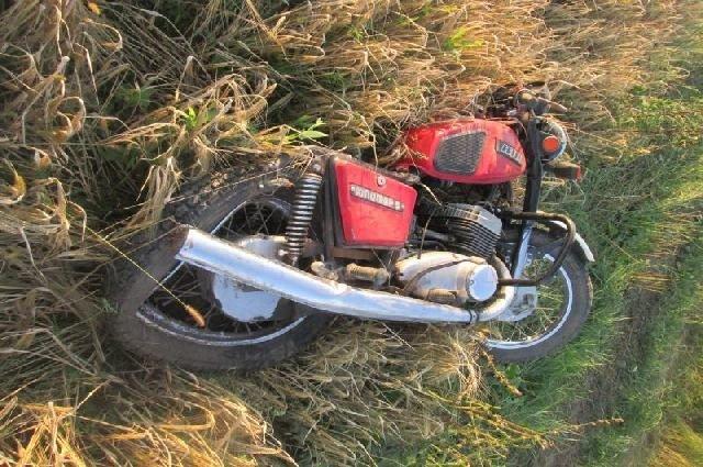 Пьяный автомобилист сбил мотоцикл в Рязанской области погиб подросток.jpg