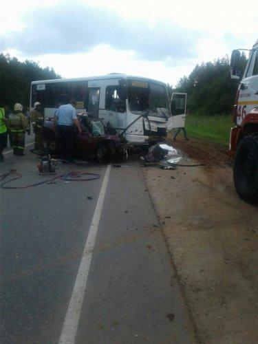 Два человека погибли в ДТП с автобусом в Марий Эл (3).jpg