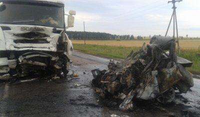 После ДТП с фурой в Абдулинском районе водитель легковушки сгорел в машине