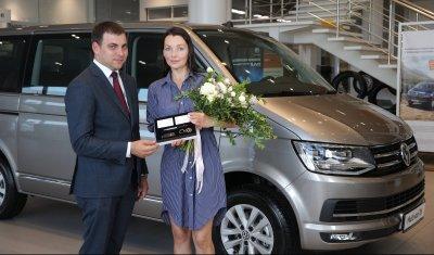 Российская актриса Наталья Антонова стала обладателем автомобиля Volkswagen Multivan