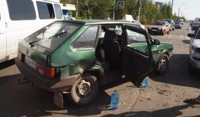 2-недельный малыш вылетел в ДТП из окна машины в Магнитогорске