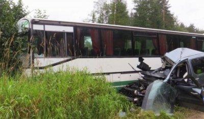 Во Владимирской области в ДТП с автобусом погиб человек