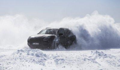 Видео с новым Porsche Cayenne выложили не дожидаясь премьеры