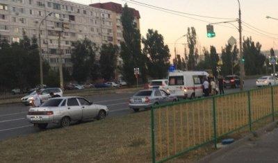 В Волжском автомобиль сбил девочку