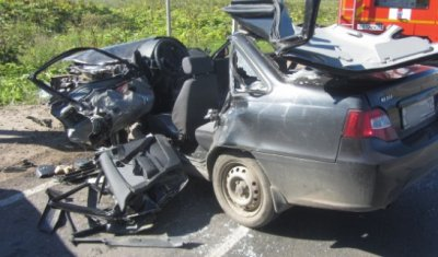 Под Сыктывкаром в ДТП с КамАЗом погиб водитель легковушки