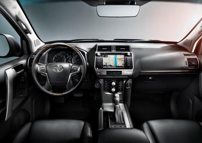 Toyota Land Cruiser Prado интерьер салона
