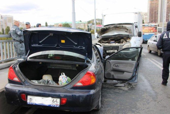 Два человека пострадали в массовом ДТП на мосту «Саратов – Энгельс» (6).jpg