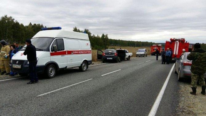 Шесть человек, включая детей, пострадали в ДТП в Аргаяшском районе (1).jpg