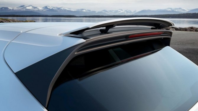 Porsche Cayenne Turbo аэродинамический сполер .jpg
