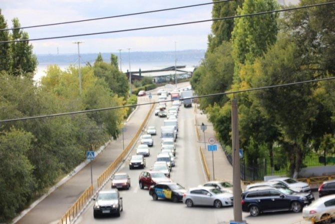 Два человека пострадали в массовом ДТП на мосту «Саратов – Энгельс» (4).jpg