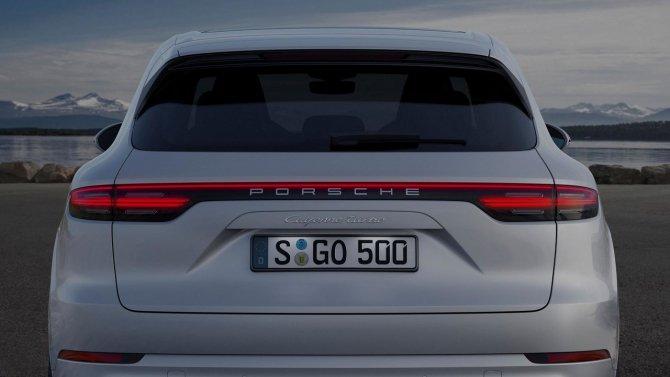 Porsche Cayenne Turbo вид сзади.jpg