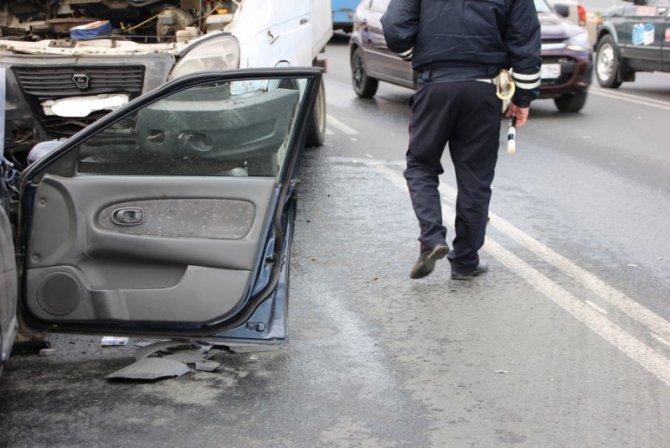 Два человека пострадали в массовом ДТП на мосту «Саратов – Энгельс» (15).jpg