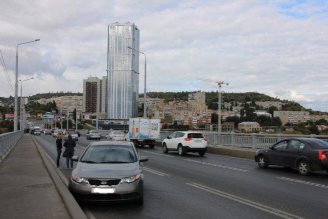 Два человека пострадали в массовом ДТП на мосту «Саратов – Энгельс» (2).jpg