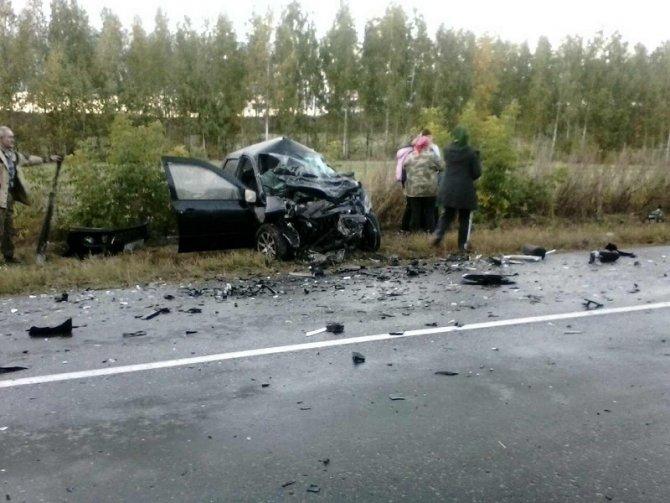 На трассе в Ульяновской области столкнулись «Гранта» и Volkswagen – погибли двое (2).jpg