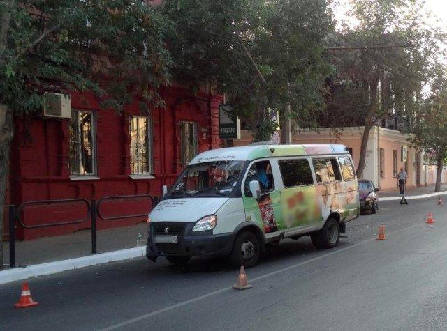 2-летняя девочка пострадала в ДТП с маршруткой в Астрахани (2).jpg