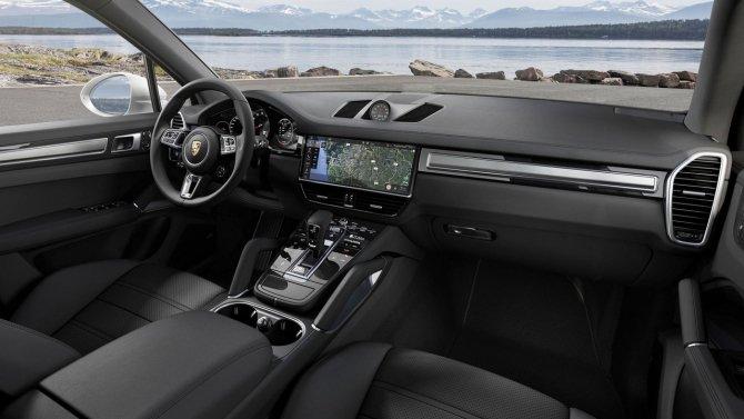 Porsche Cayenne Turbo панель управления.jpg