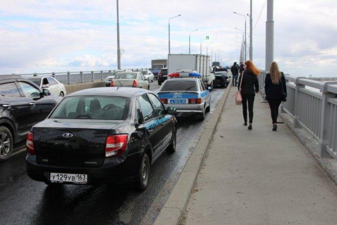 Два человека пострадали в массовом ДТП на мосту «Саратов – Энгельс» (9).jpg