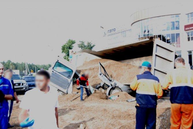 Два человека погибли при столкновении 6 автомобилей во Владимире (2).JPG