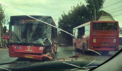 В Казани на улице Боевой столкнулись два автобуса
