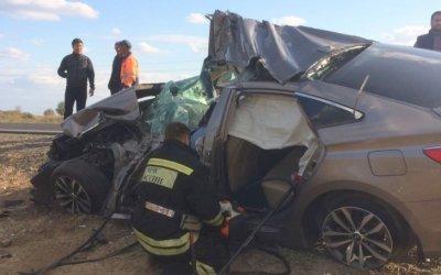 В ДТП с КамАЗом на астраханской трассе погиб водитель иномарки