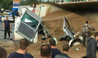 Два человека погибли при столкновении 6 автомобилей во Владимире
