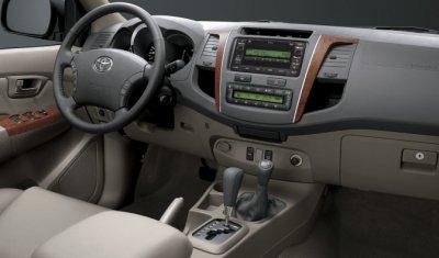 Toyota отзывает в России 323 пикапа Hilux - снова из-за подушек безопасности