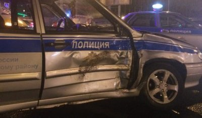 В Таганроге пьяный водитель протаранил патрульный автомобиль