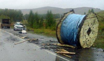 В Башкирии выпавший из фуры груз убил водителя «Лады Гранты»