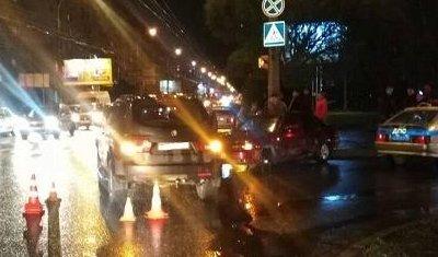 Три женщины пострадали в ДТП с двумя иномарками в Вологде