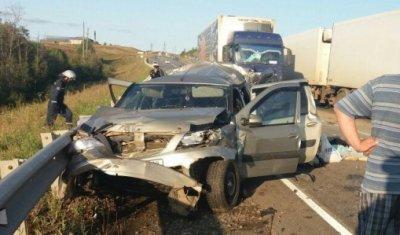 Женщина погибла в ДТП с грузовиком в Удмуртии