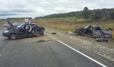 Подросток погиб в ДТП в Удмуртии, еще семь человек пострадали