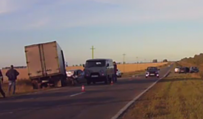 Два человека погибли в ДТП с грузовиком под Ульяновском