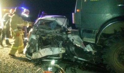 Два человека погибли в ДТП с грузовиком под Читой